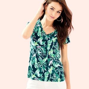 Lilly Pulitzer Etta V-neck top in Lemer print
